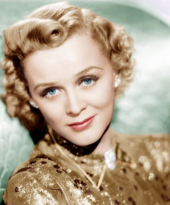 Hollywood's golden age actress Gloria Stuart (July 4, 1910 – September 26, 2010). Gloria Frances Stuart memorable comeback
