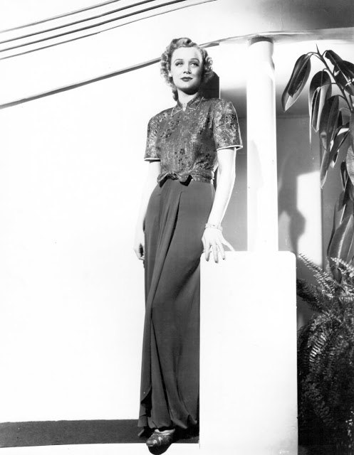 Elegance and beauty, Gloria Stuart