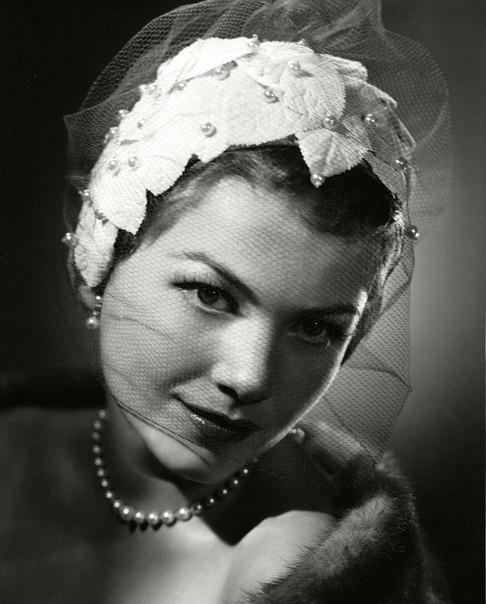 Famous American actress Anne Baxter, 1957