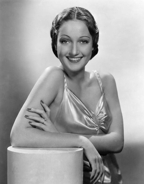 Film actress Dorothy Lamour