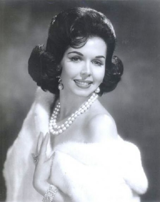 Glamorous beauty, actress Ann Miller (April 12, 1923 – January 22, 2004)
