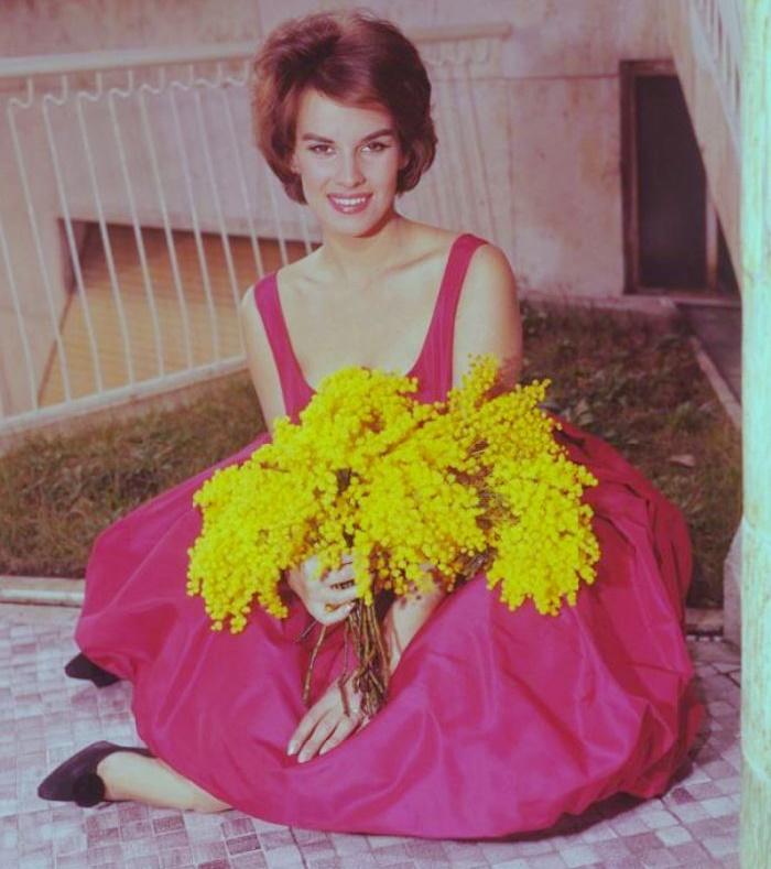 Glamorous beauty Antonella Lualdi