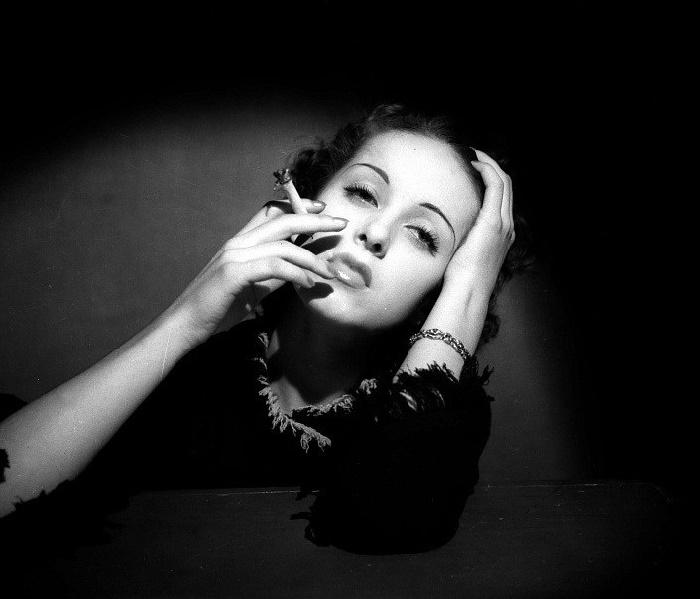 Glamorous beauty Danielle Darrieux