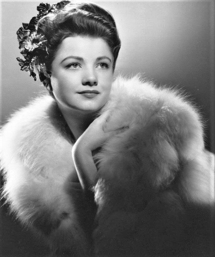 Gorgeous Anne Baxter, 1944