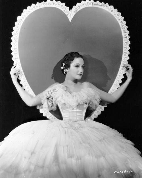 Heart background, Dorothy