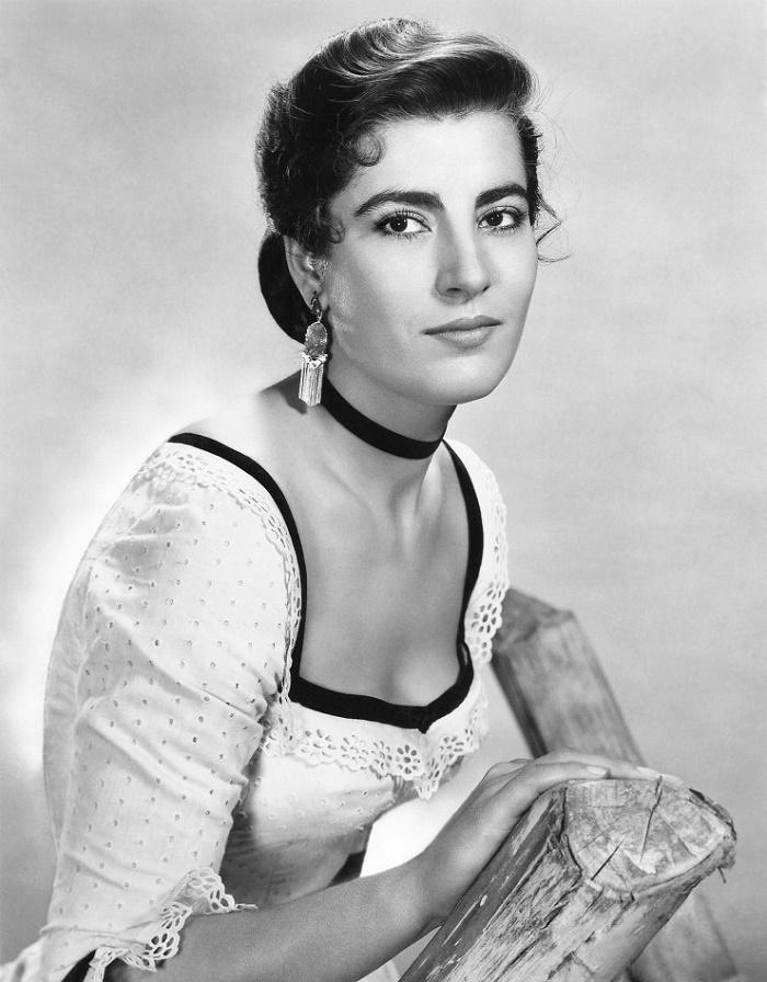 Irini Lelekou, Greek actress Irene Papas