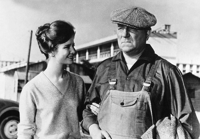 Jean Gabin and Marie-Jose Nat in Rue des prairies (1959)