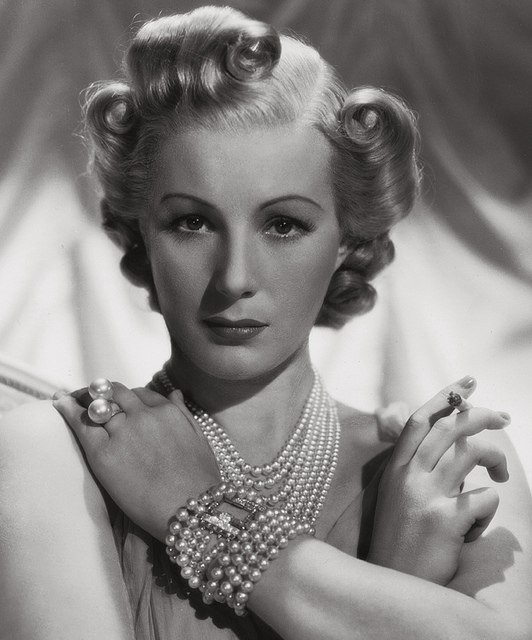 Jewelry lover, Hollywood actress Gertrude Maud Barnes, known as Binnie Barnes