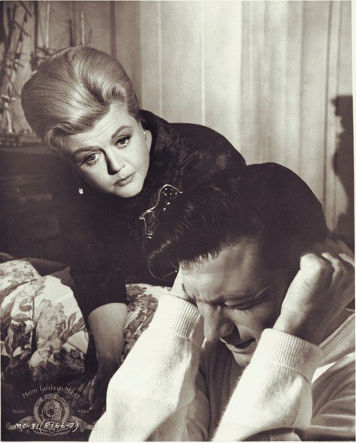 Laurence Harvey and Angela Lansbury in The Manchurian Candidate (1962)