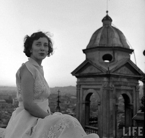 Life photo. Valentina Cortese (Nat Farbman. 1949)
