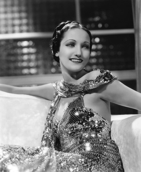 Model, singer, actress Dorothy Lamour