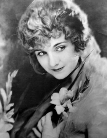 Movie actress Alice Terry