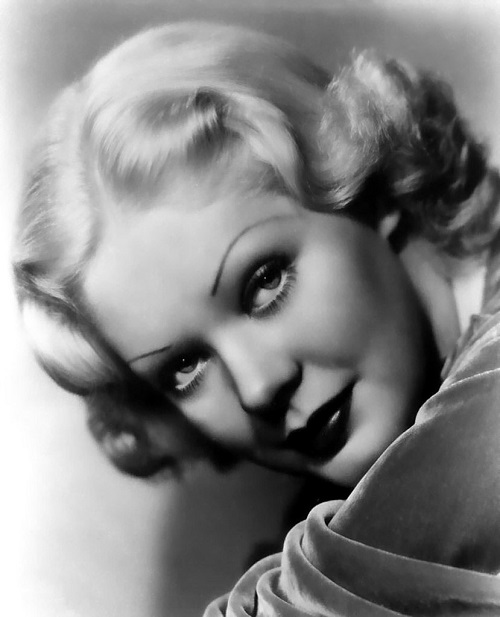 Retro beauty Alice Faye