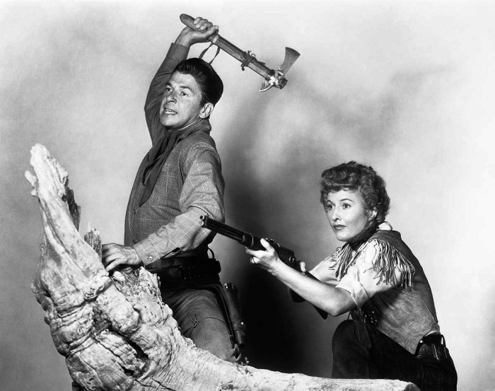 Ronald Reagan and Barbara Stanwick in the commercials of the movie 'The Queen of Cattle from Montana. 1954