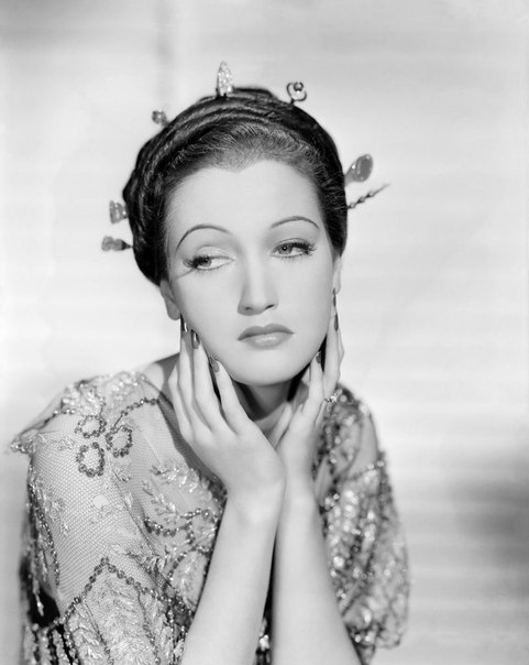 She never lost her Sarong Girl tag throughout her entire career, Dorothy Lamour