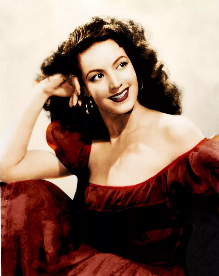 Stunningly beautiful Maria Felix