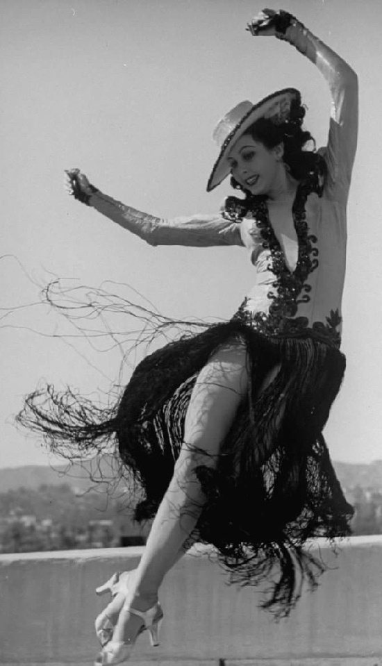 The star of the 40s, Ann Miller was not only as a talented actress, but also as an incredible dancer. Tap Dance Queen Beautiful Actress Ann Miller (April 12, 1923 – January 22, 2004)