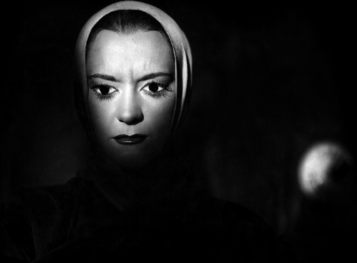 Testament of Orpheus (1960). The Princess, actress Maria Casares
