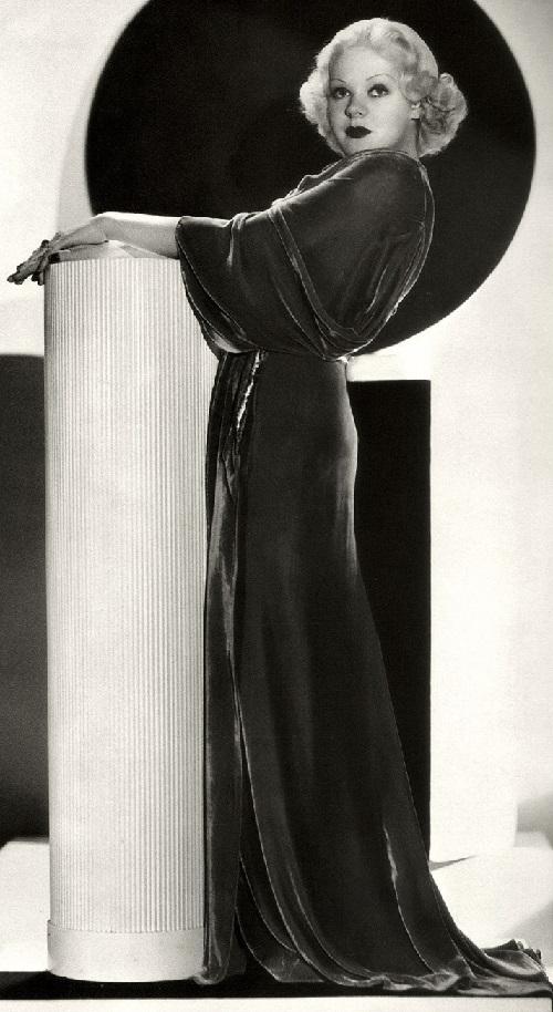 Vintage actress Alice Faye