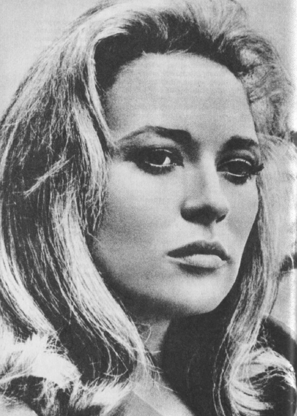 Willowy blonde Hollywood brightest star Faye Dunaway