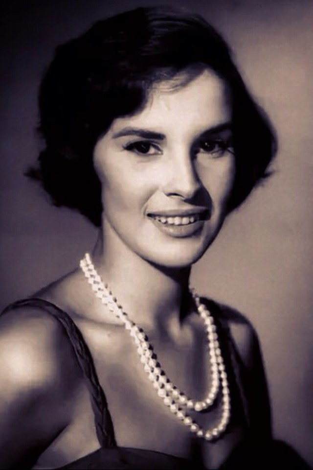 Young Italian actress Antonella Lualdi
