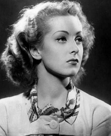 Young actress Danielle Darrieux